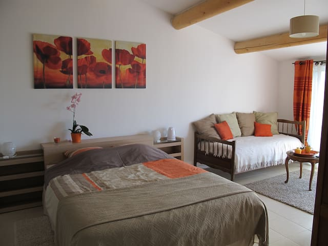 lou cardalines chambre coquelicot - Bédoin - Bed & Breakfast