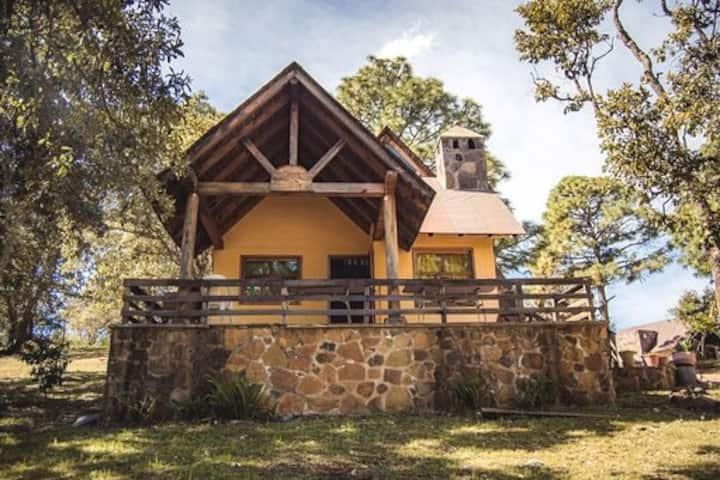 Cabaña La Amarilla