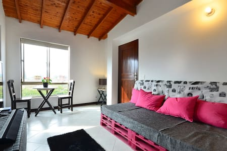 Lovely Private Bedroom For Two Close to Poblado - Medellín