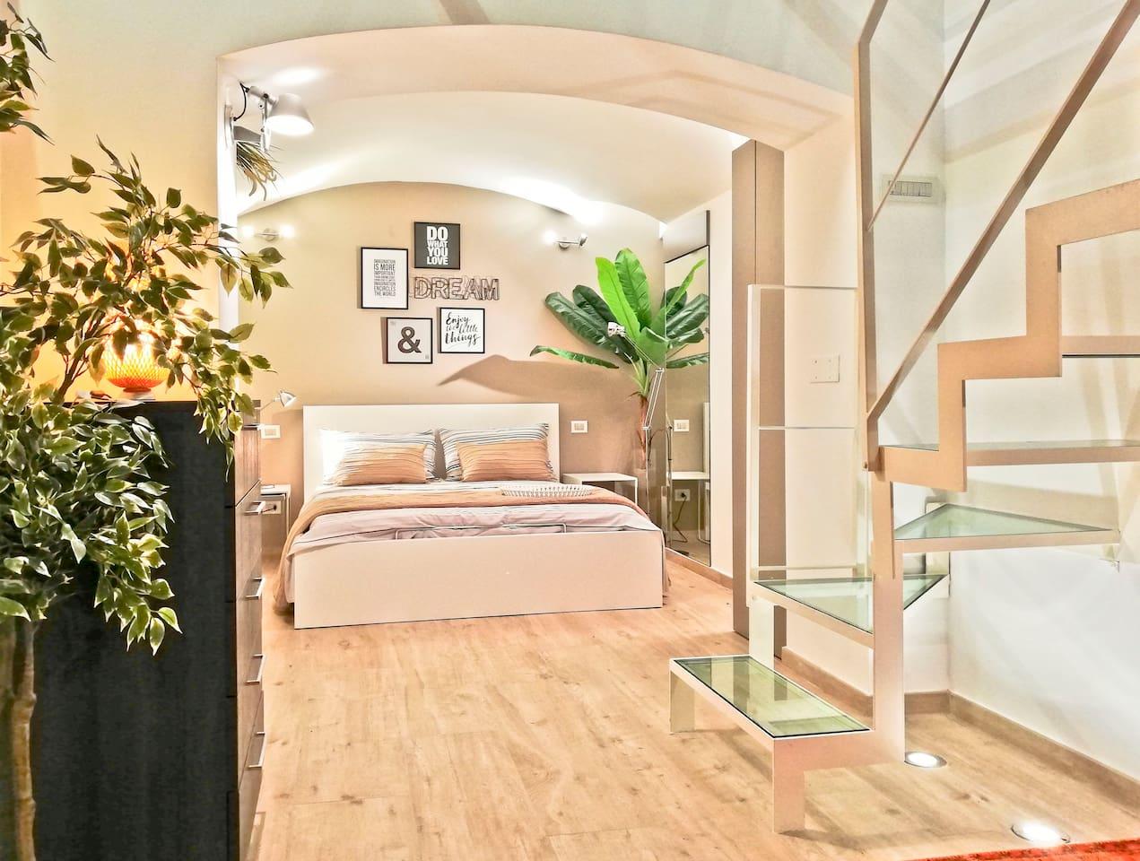01/40 - CAMERA MATRIMONIALE con bagno privato, sauna e idromassaggio allo stesso piano - DOUBLE ROOM with private bathroom, sauna and whirlpool on the same floor