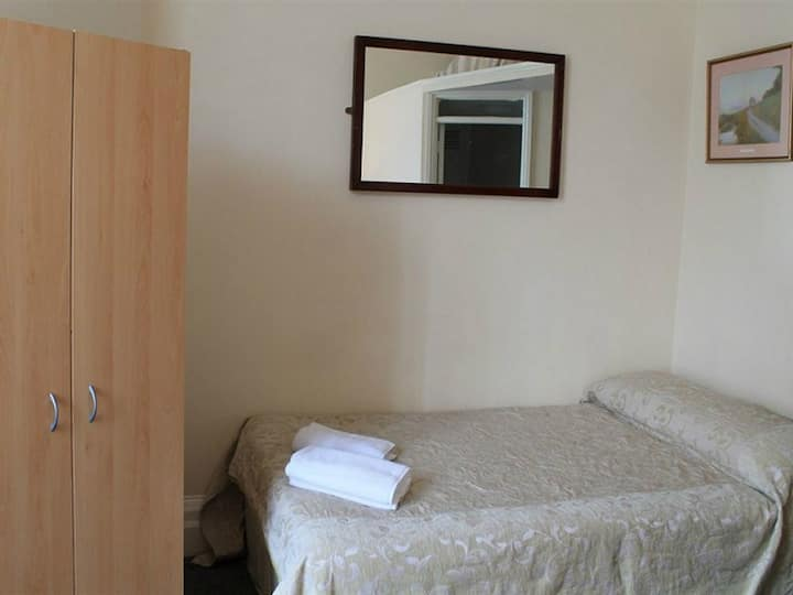 Double Ensuite Room @St Simeon