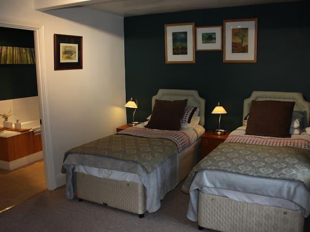 Twin Room street view @ Room 1