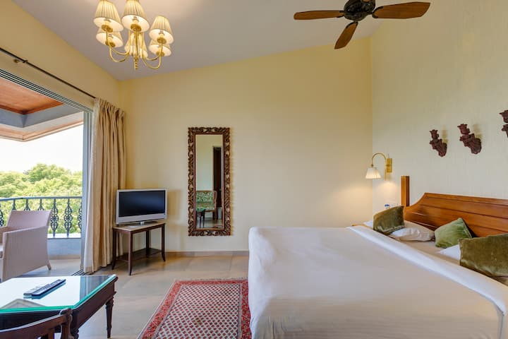 Deluxe rooms for couples in Mahabaleshwar