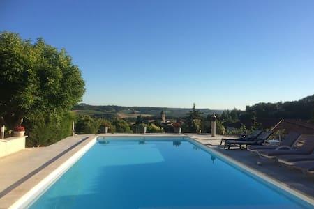 loft donnant sur piscine - Montcuq