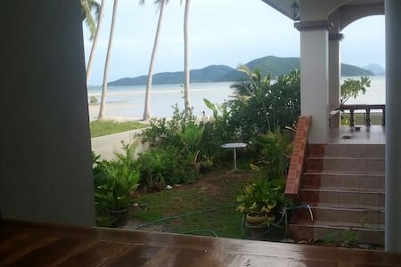 2 bedroom house on a quite beach. - サムイ島