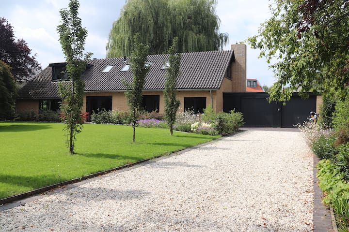 Spacious family house near Amsterdam