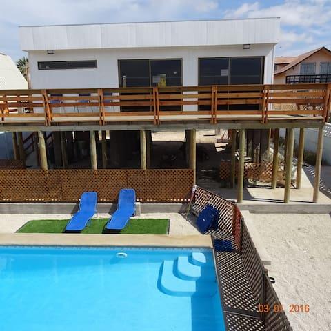 Guanaqueros,  Casa, piscina, sala de juegos - Coquimbo