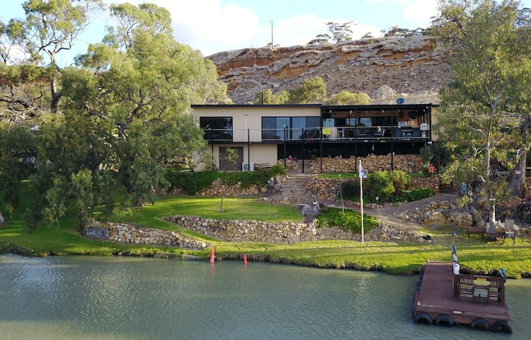 River retreat on water's edge @Younghusband/Mannum