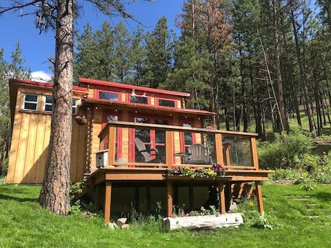 Pequena casa privada com uma bela vista