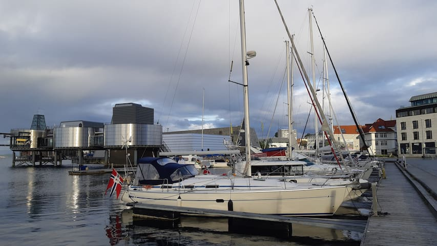 Cosy sailboat fitting 6 in the heart of Stavanger!