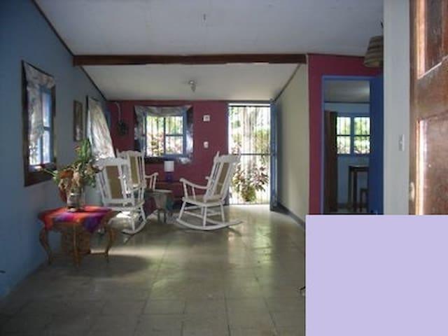Casa, apartamento y/o habitaciones - Managua - Haus