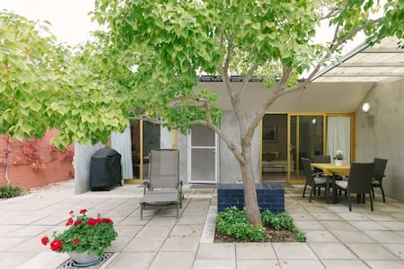 Private Courtyard Villa - Dalkeith