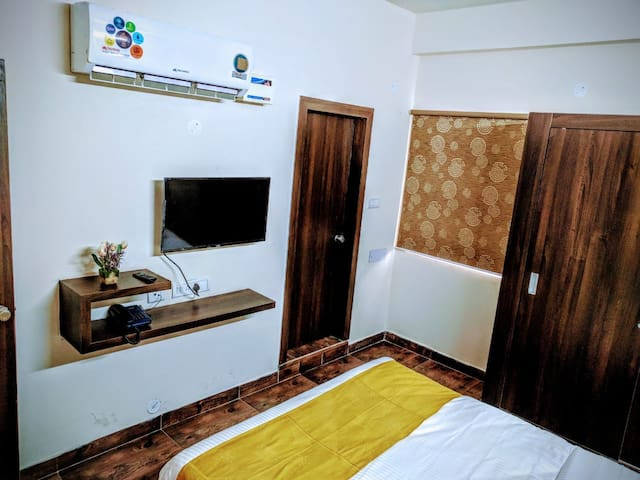 Fully Furnished 1 BHK Serviced Flats @ Near Q City