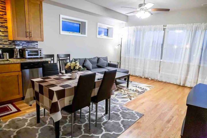 Beautiful New 3 Bedroom Apartment near Chinatown