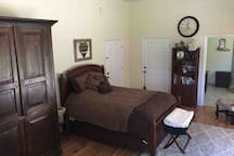 Charming Country Studio Suite (read our reviews!)