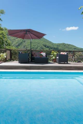 Surya Pyrenees B&B Foix - Yoga/Pool/Views/Gdn Rm 2 - Foix - Bed & Breakfast