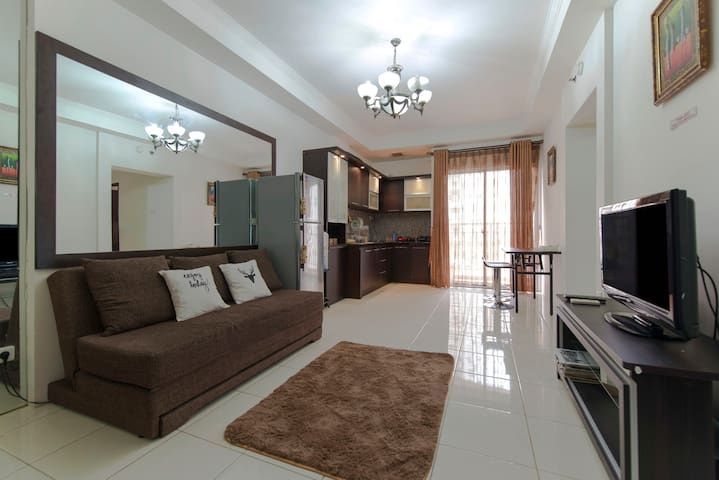 3 BR Apartment STRATEGIC LOCATION - Grogol petamburan