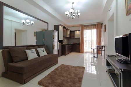 3 BR Apartment STRATEGIC LOCATION - Apartmen