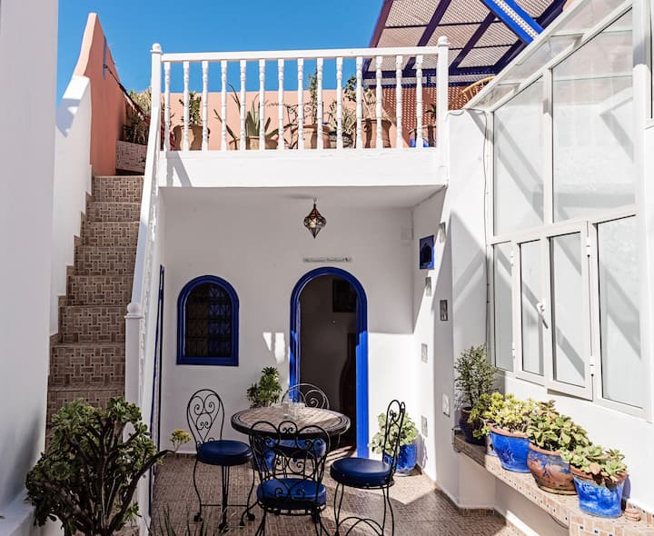 NEW: Romantic roof-top retreat for 2 in the medina
