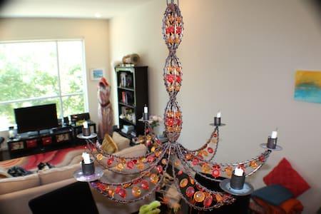A Gorgeous room in a Zen & Contemporary home! - Atlanta - Loft