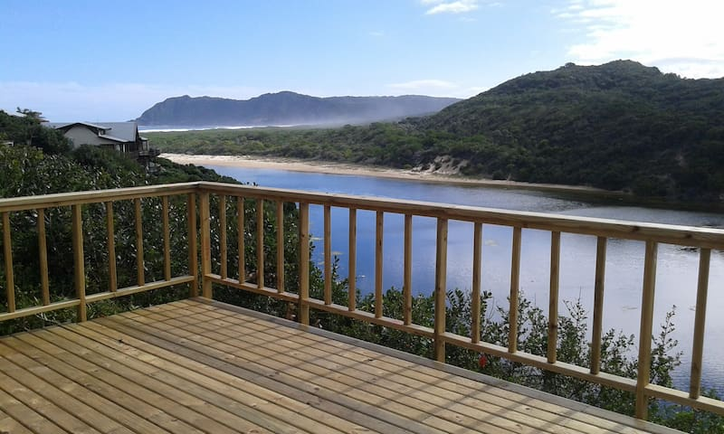 Lagoon and mountain view Cottage - Sedgefield - House