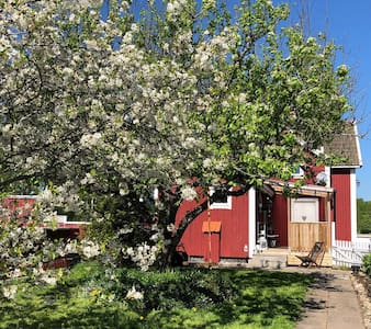 Country house 15 mins from Örebro.