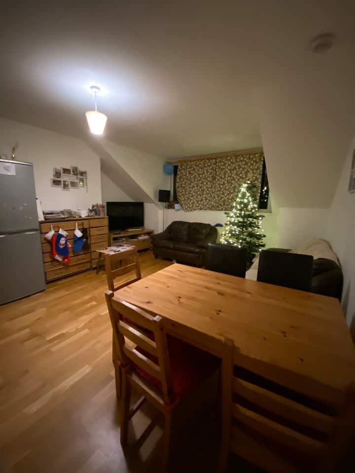 Cozy 2 bedroom flat kids friendly