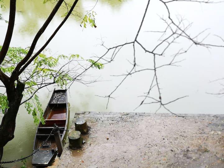 水石居*  望月   灵山脚下,槠溪河畔