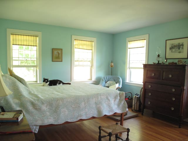"Private peaceful hilltop haven (""Garden Room"") - Groton - House"