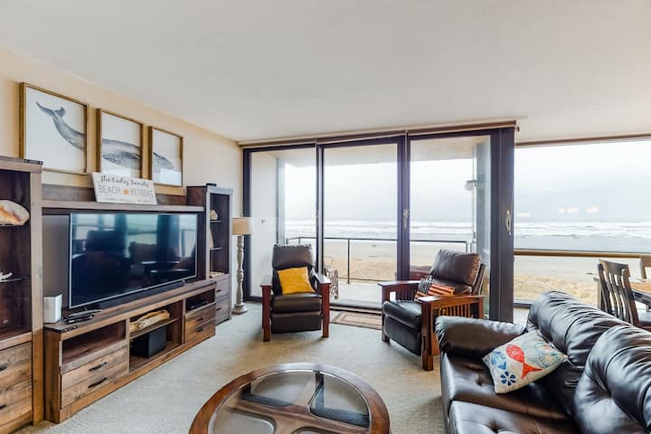 Oceanfront Condo w/ Incredible Views, Free WiFi, & a Shared, Indoor Pool