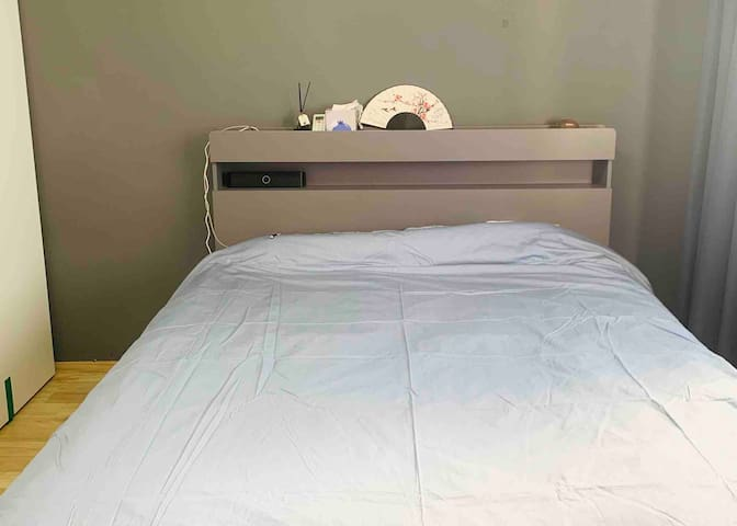 A cozy room near HongDae station👱♀️for one person