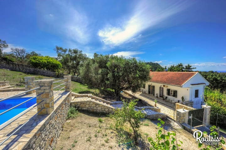 Villa Faros with private pool & good views