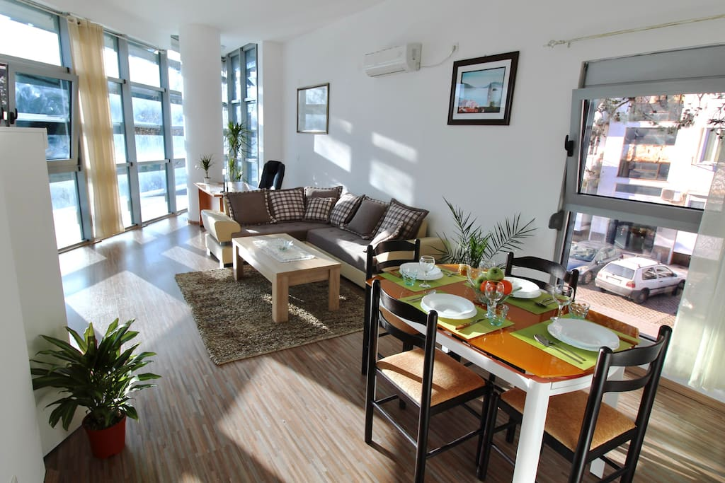 Living space is so open, spacious and sunlit.