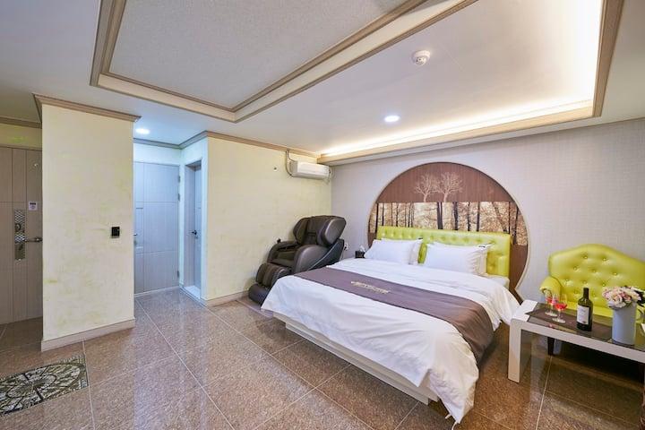 벤처 비즈니스 호텔  (디럭스더블룸) 스타일러+안마의자