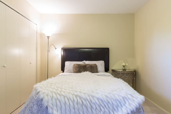 Room 4- Double Bed