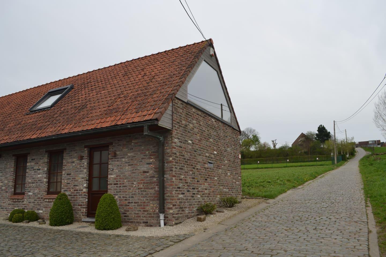 Gelegen op één van de mooiste hellingen van Kluisbergen, hart van Ronde van Vlaanderen