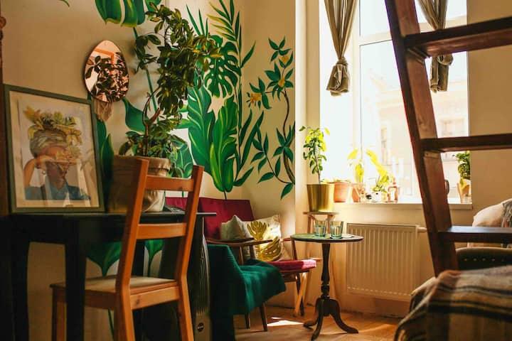 Уютная двухуровневая студия в центре Петербурга
