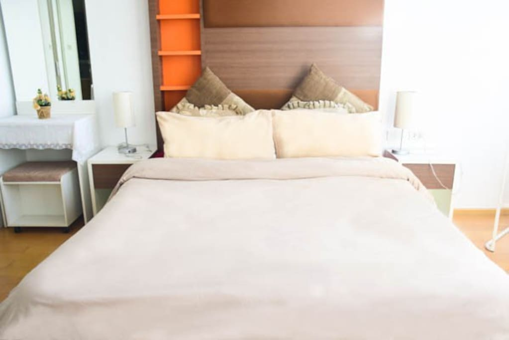 Warm and cozy bed with beautiful ambience:)