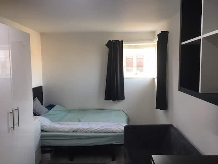 Cozy studio in city center, ideal for quarantine!