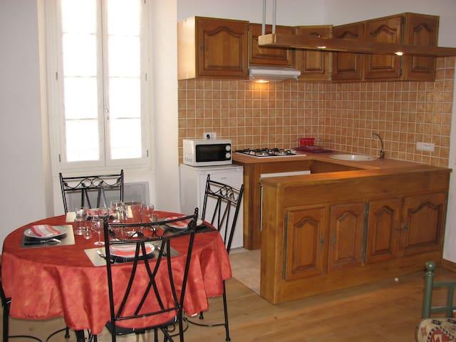 T2 Villeneuve d'Aveyron