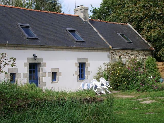 Gîte Kergambae-an-dour/ Finistère - Plonéour-Lanvern - House