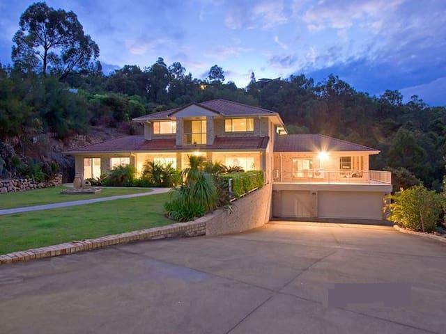 Executive residence - Gold Coast - Ormeau - 一軒家