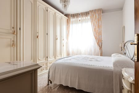 Intero appartamento con giardino e garage privati - Pisa