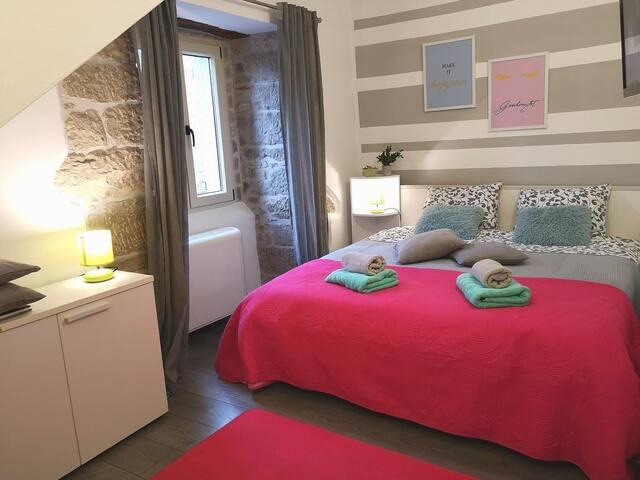 Room with air-conditioning Hum, Central Istria - Središnja Istra (S-17939-b)