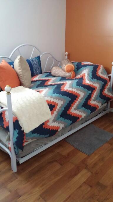 lit gigogne avec un autre lit dessous