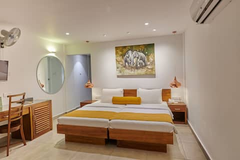 Luxorious  Room  at an Affordable Price !!