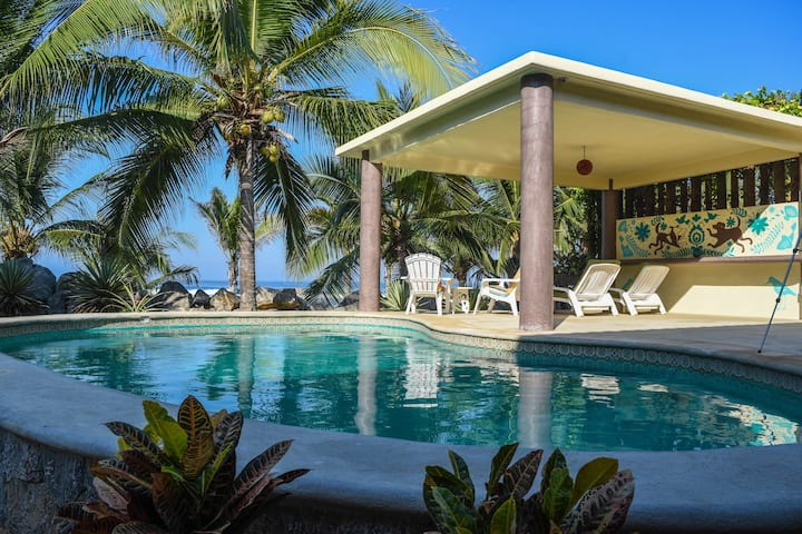 Beachfront Paradise!  Guest Suite with a View
