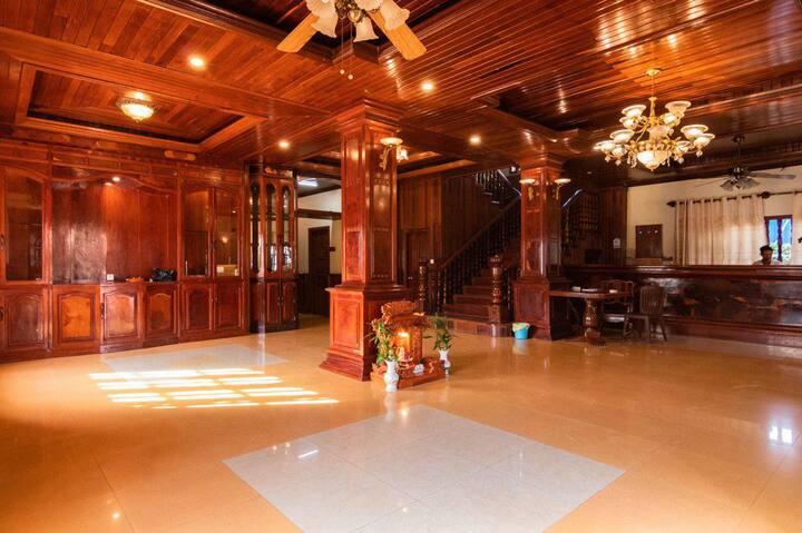 Twin Single Room in Siem Reap + Free Pick Up