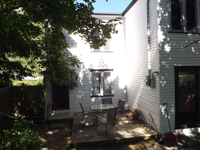Scenic Petty Harbour Home 15 mins from St. John's - Petty Harbour-Maddox Cove - Casa