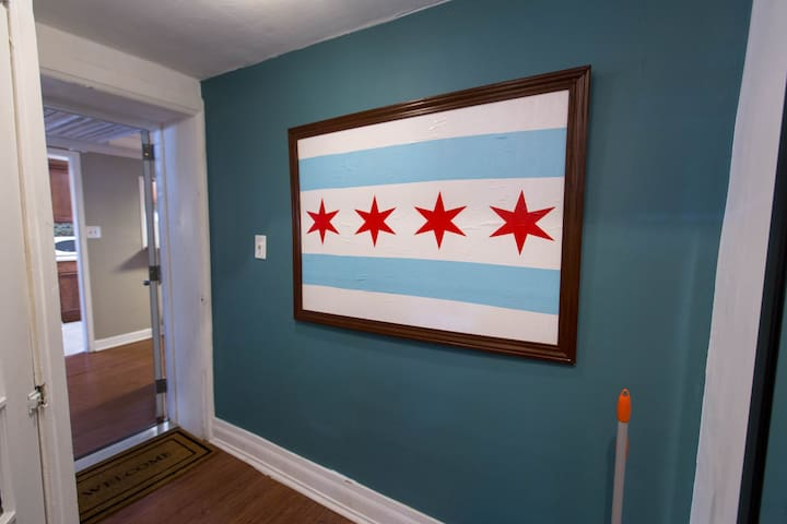 The symbol of the city greets you as we welcome you to Chicago.  Photo by Angela Conners Treimer
